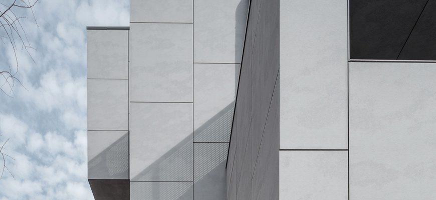 Julkisivulevyjen kiinnittämiseen uusi menetelmä – puhtaat ja selkeät linjat rakennuksiin
